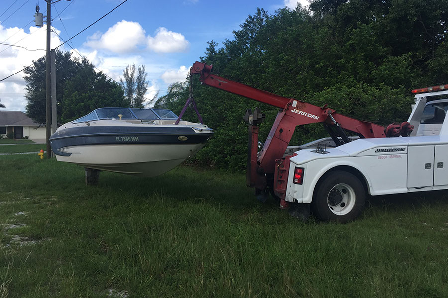 Boat-Towing-Services4