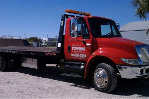 Read more about the article Towing Lehigh Acres | Emergency Towing Services