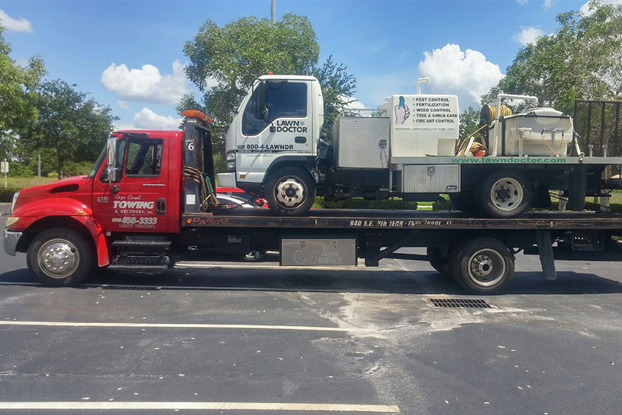 Emergency-Towing-Services-301