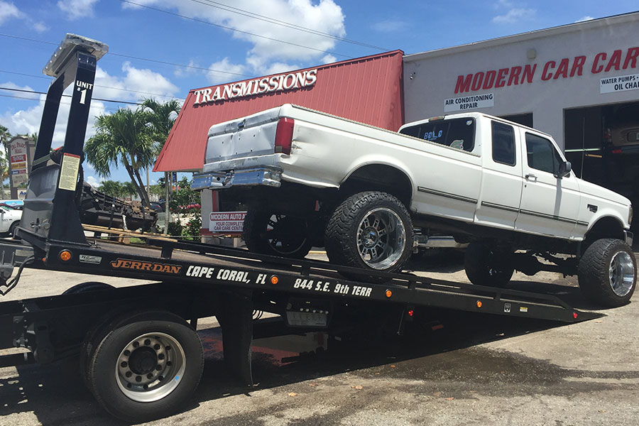 Emergency-Towing-Services-806