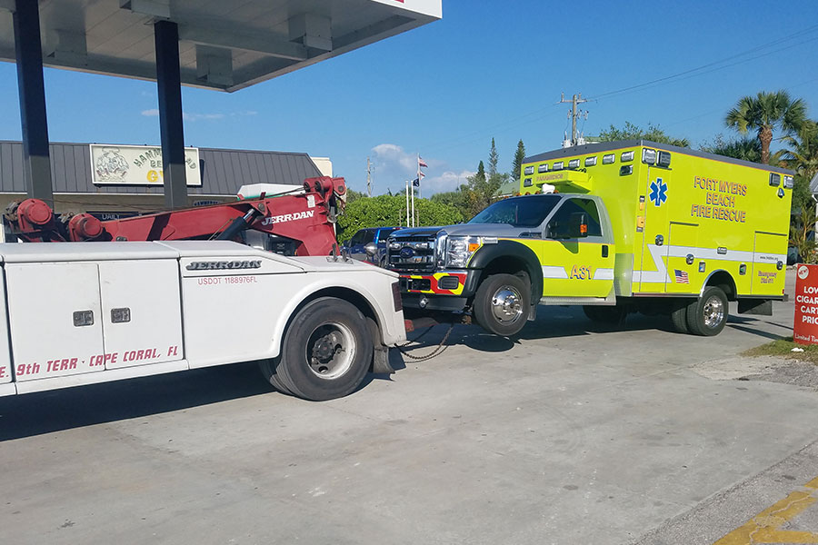 8 Useful Tips For Safe Towing in Cape Coral, Florida